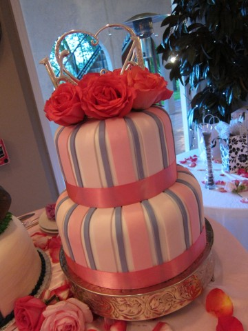 Finished bride wedding cake