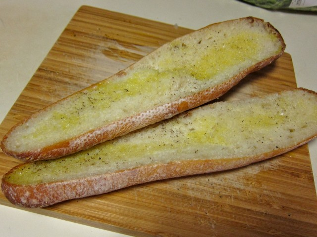 Oiled bread for toasting