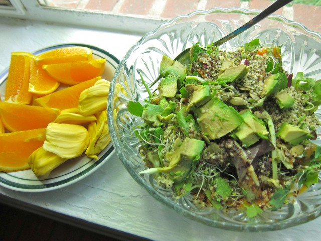 Salad with orange and jackfruit