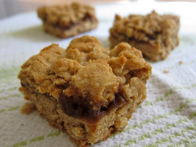 Apple butter oat bars