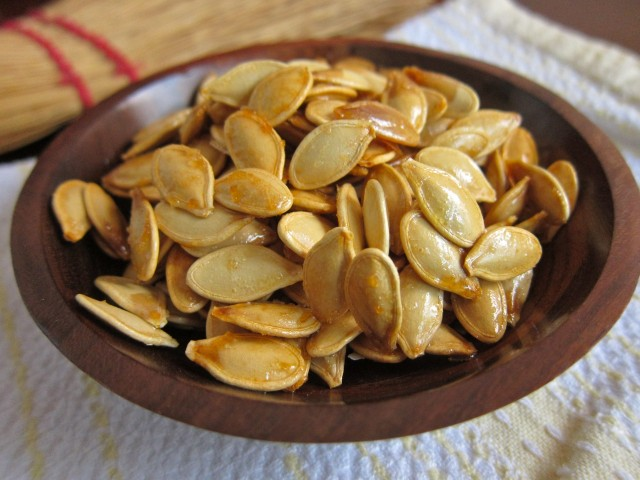 kettle corn pumpkin seeds close up 1