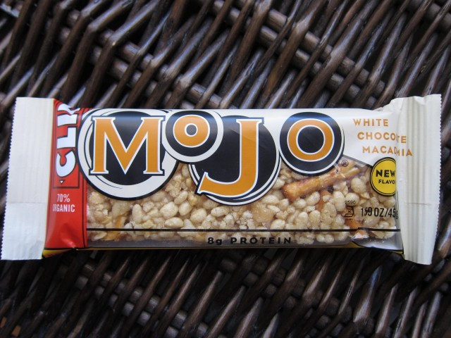 Clif Mojo white chocolate macadamia