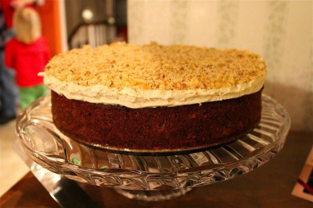 Carrot cake with honey and clementine