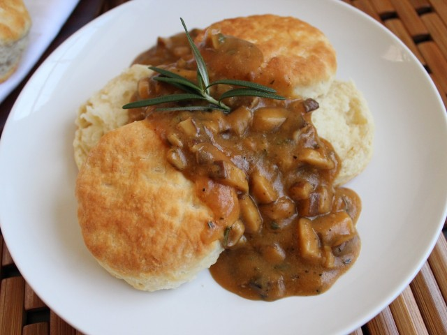 Biscuits with shiitake gravy