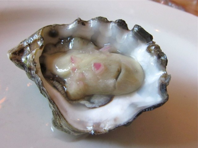Kumamoto oyster with shallot mingonette