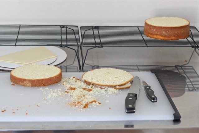 Slicing cake layers in half